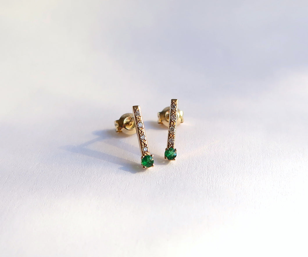 Nishi Emerald and Diamond Arrow Studs