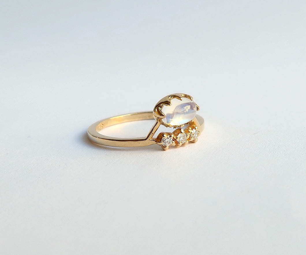Nishi Cabochon Moonstone and Diamond Gold Ring