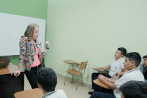 Mariana Quesada with students
