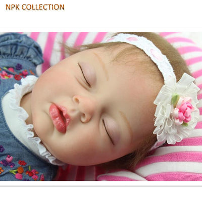 NPK COLLECTION 50CM Silicone Reborn Baby Dolls Sleeping Baby Born Dolls with Denim Dresses Headdress,Real Reborn Babies Bonecas