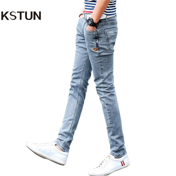 New Korean Style Men Jeans Grey Slim Skinny Man Biker Jeans with Zippers Designer Stretch Fashion Casual Pants Pencils Trousers