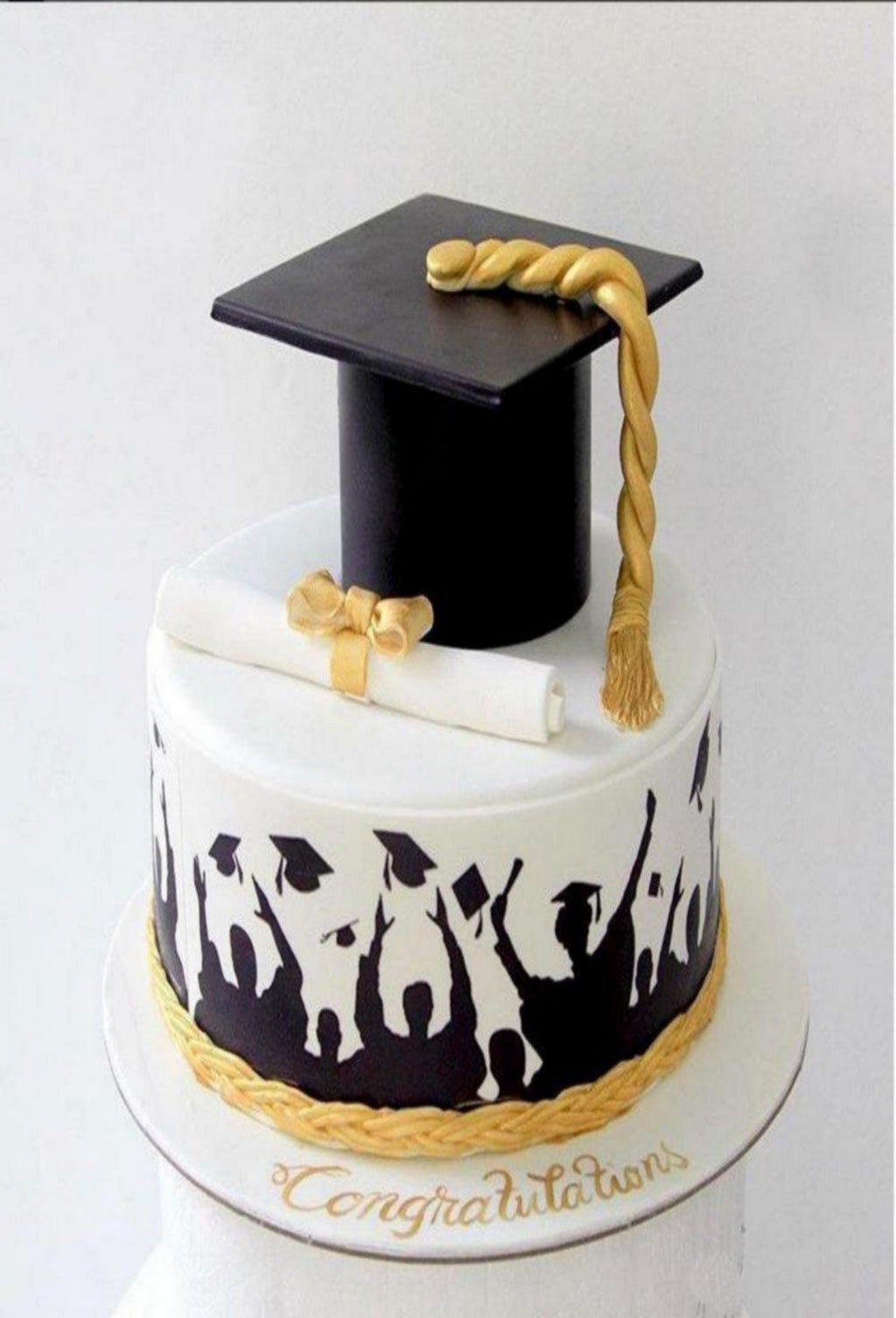 Customized Graduation Cake