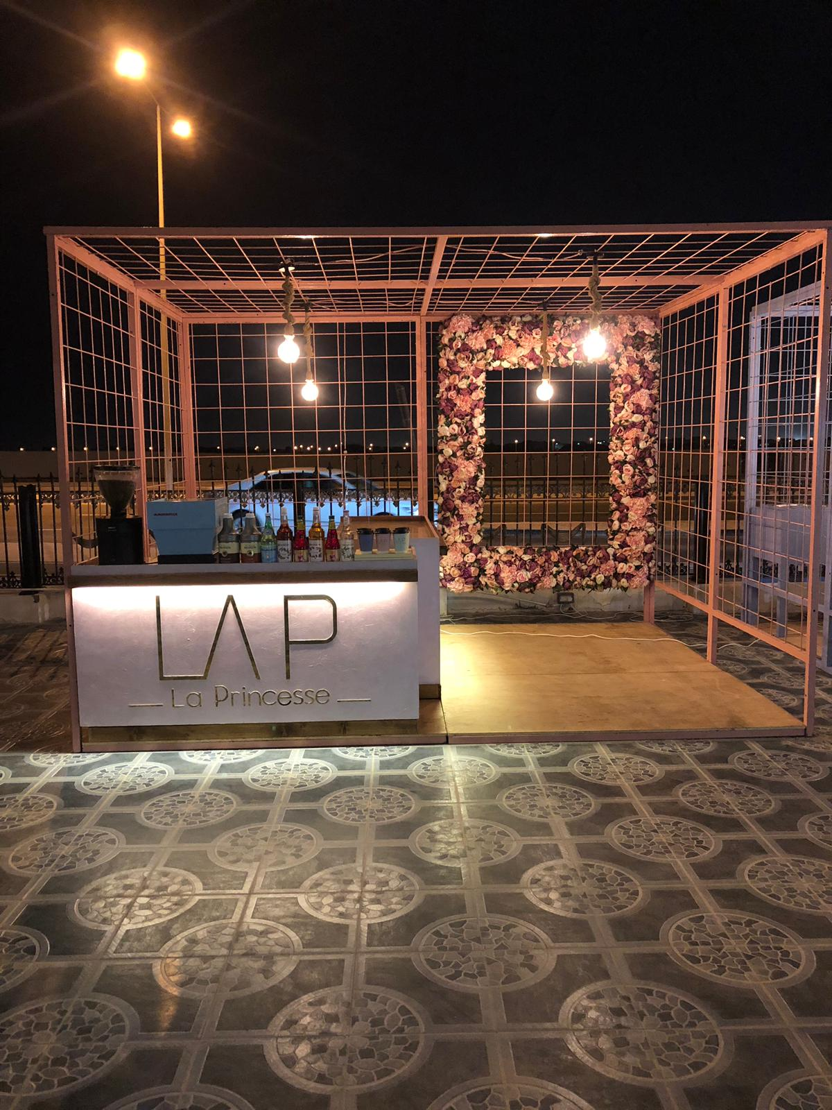 LAP Booth Big