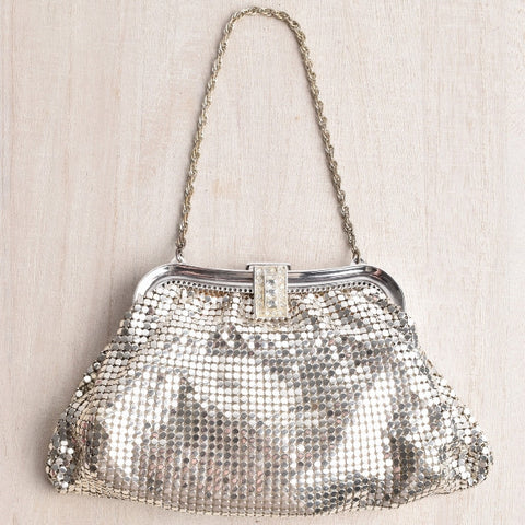 VINTAGE WHITING & DAVIS SILVER CLUTCH