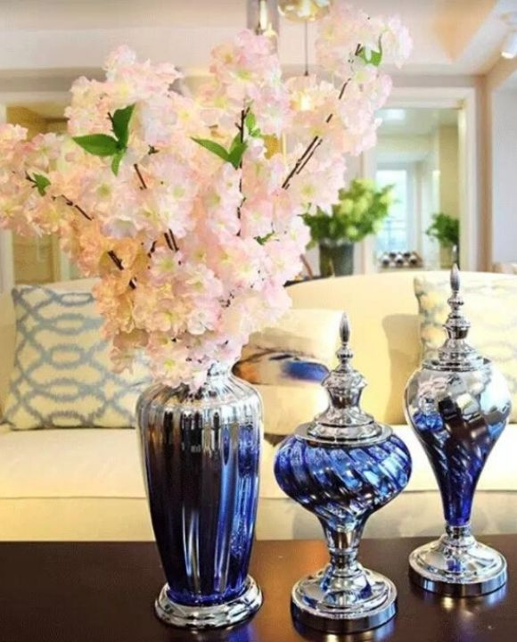 Elegant Gradient Blue Vase & Ornaments | Hotel Series