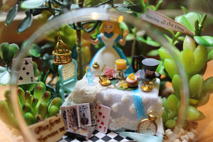 Miniature DIY Alice in Wonderland Hanging DIY