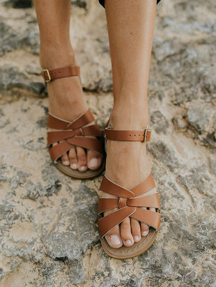 2019 New Comfortable Flat Openwork Buckle Sandals