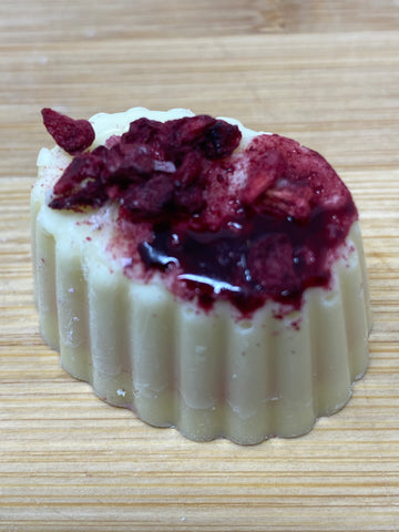 Handmade White chocolate with Forest Fruit fondant