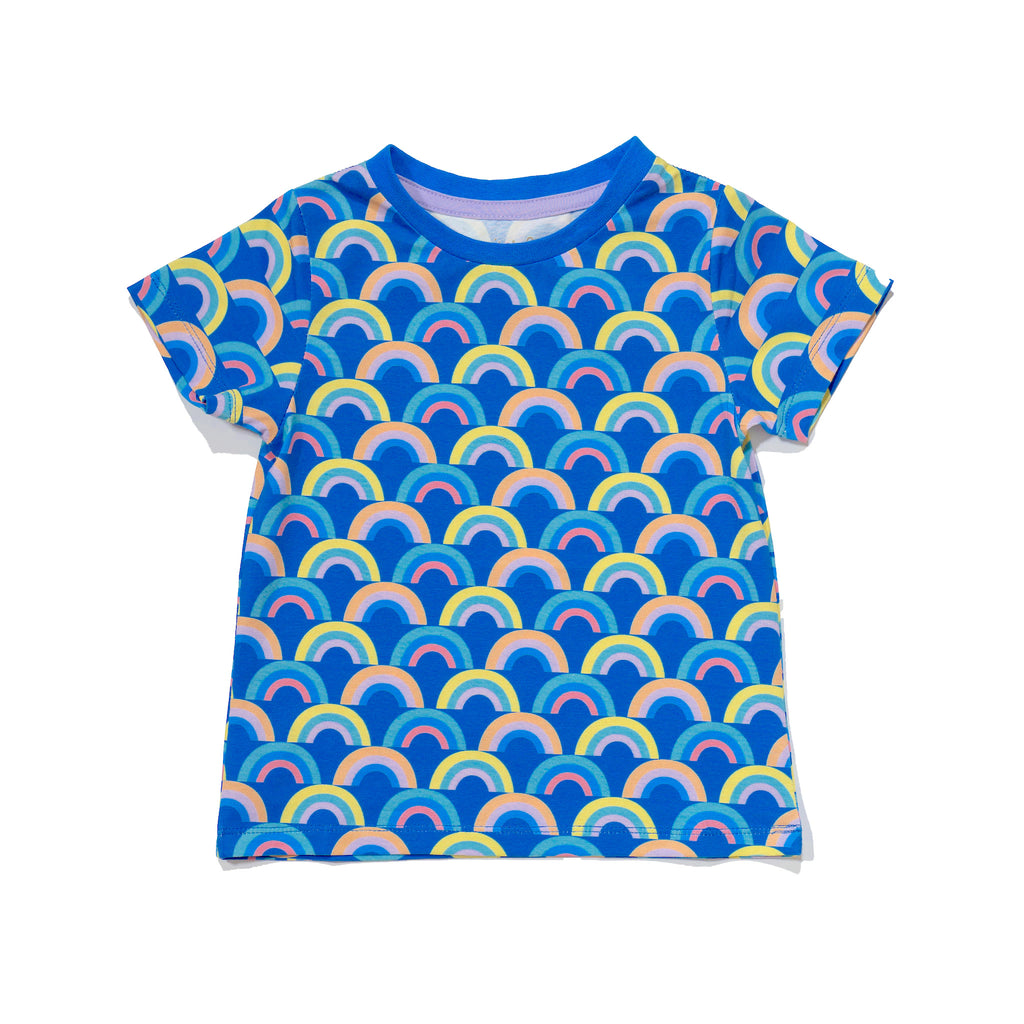 kids' knit tee front in Rainbow print, matching with mommy & me and daddy & me outfits.