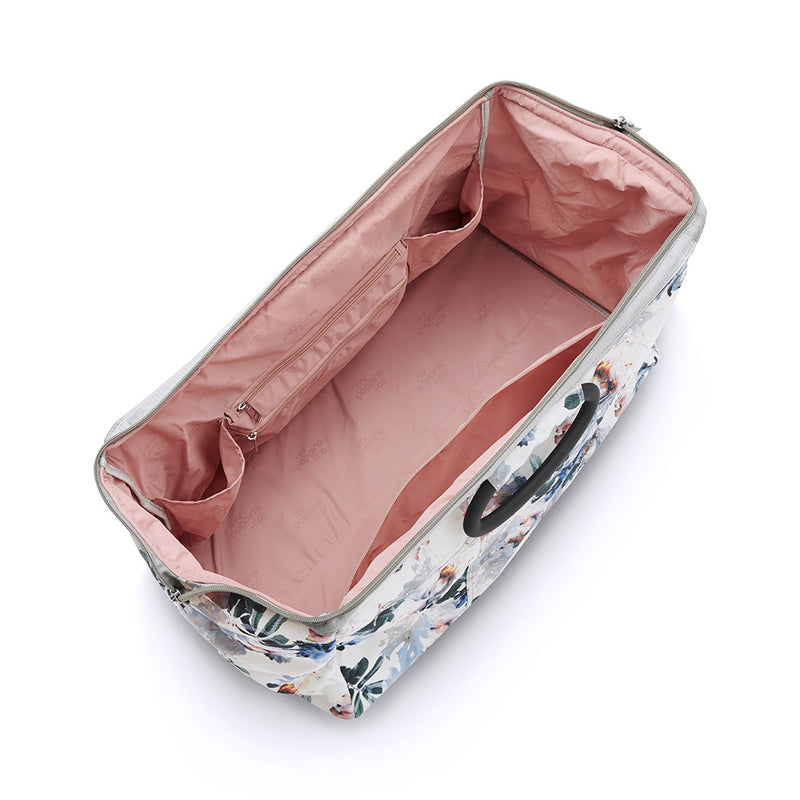 Versatile travel bag in floral design