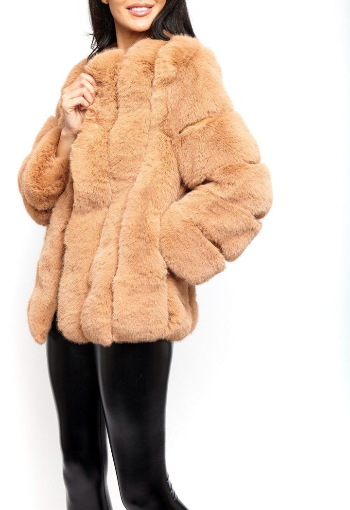 Deli Faux Fur Coat in Tan