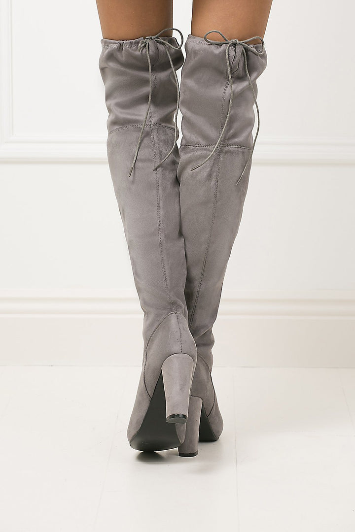 Vogue Heeled Suede Boots in Grey
