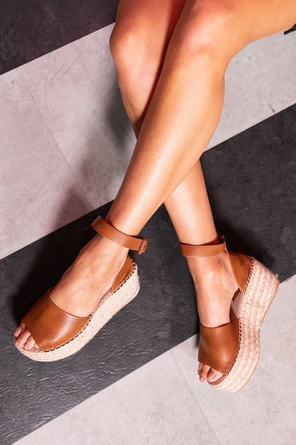Sara Espadrille Wedge in Tan