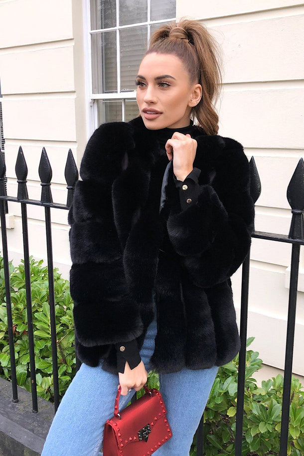Deli Faux Fur Coat in Black