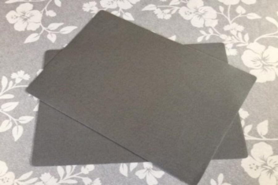 Grey Place Mat 30cm x 43cm (sold in pairs)