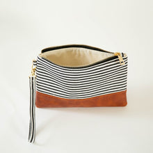 Load image into Gallery viewer, Bottom Trim Wristlet - CLASSIC STRIPE