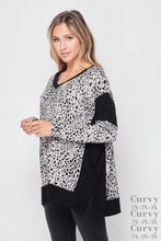 Load image into Gallery viewer, Soft Animal Curvy V Neck Top