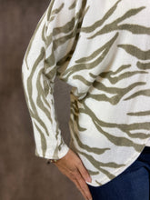 Load image into Gallery viewer, Tiger Print Dolman Fleece Cardigan