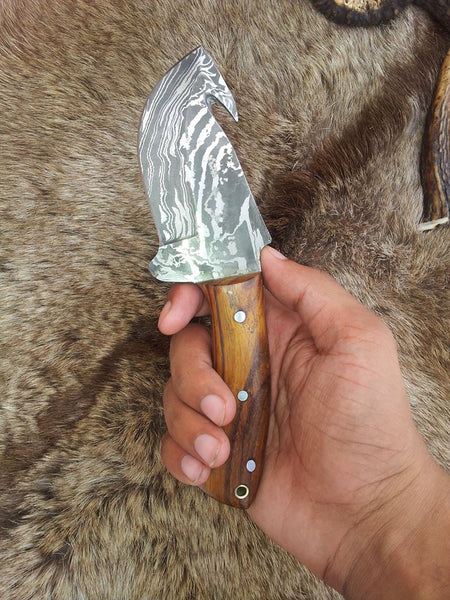 Damascus Blade Guthook Knife