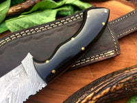 Full Tang Custom Handmade Damascus Steel Hunting Skinning Knife