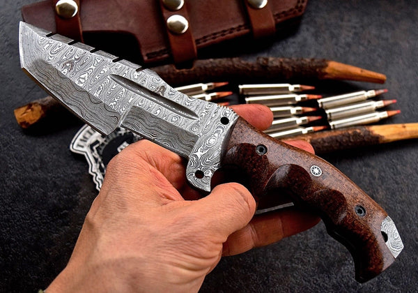 Damascus steel hunting tracker knife