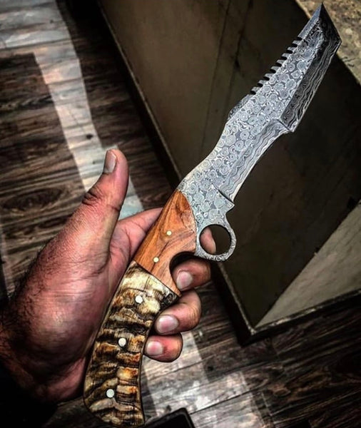 Raindrop Damascus Steel Finger Hole Tracker Knife