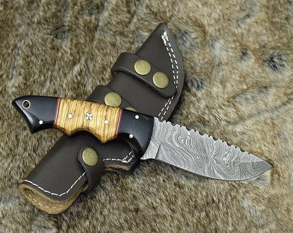 Damascus Steel Hunting Skinning Knife