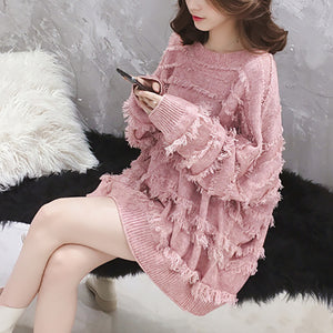 Fashion Round Collar Long Sleeved Tassel Knitted Sweater