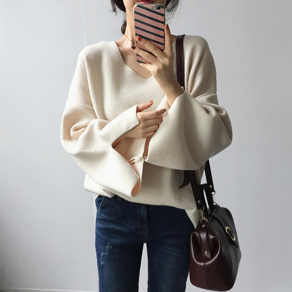 Women's Commuting Bell Sleeve V-Neck Solid Color Loose Sweater