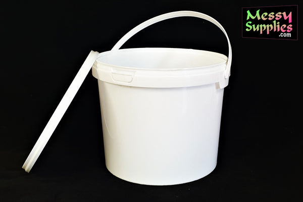 1-3 Litre Mixing Container with Lid • Mixing • MessySupplies
