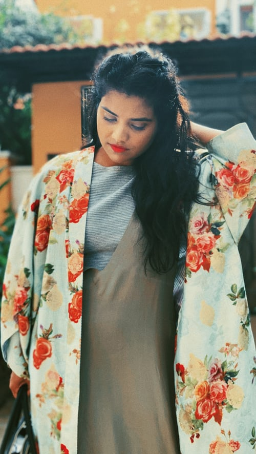 Kimono Cardigan: The Perfect Delicate Layer to Any Outfit
