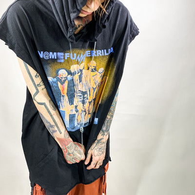 distressed zombie print sleeveless hoodie in 2 colors