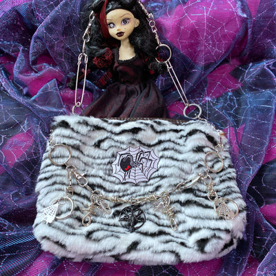 Homemade animal pattern plush spider pearl chain Girl shoulder bag