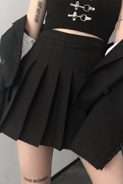 black pleated wild waist short skirt