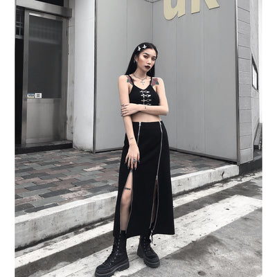 mysterious black loose Street Sling short top