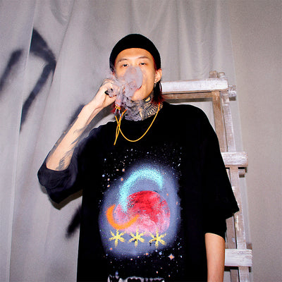 Graffiti Starry sky gradient print Korean skater space graphic T-shirt in 2 colors