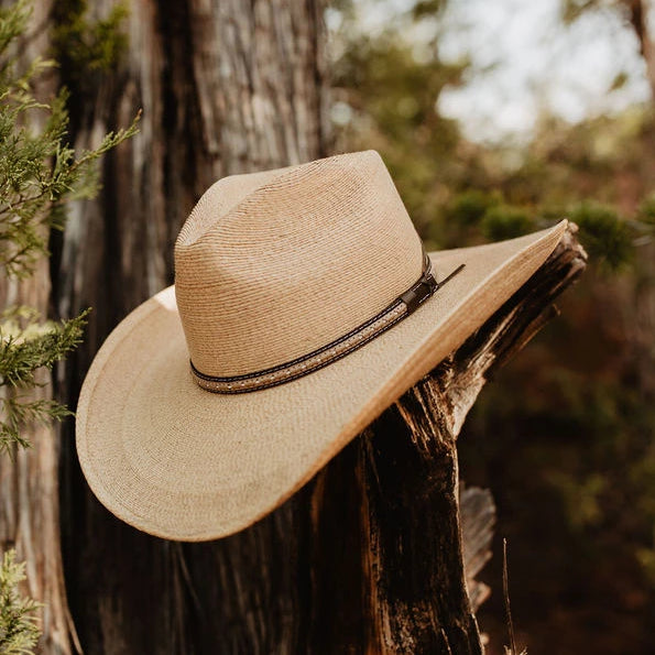 The Sawmill hat by Stetson is a western cowboy hat perfect for rodeos and country concerts. Wear this on a long day of ranch work too.