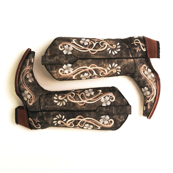 Black Floral Embroidered Boots Western Boutique Cowgirl Boots Rodeo Montana