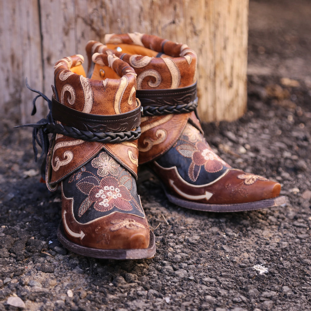 A Canty Boot handcrafted in Montana using the Bonnie Pipin boot.