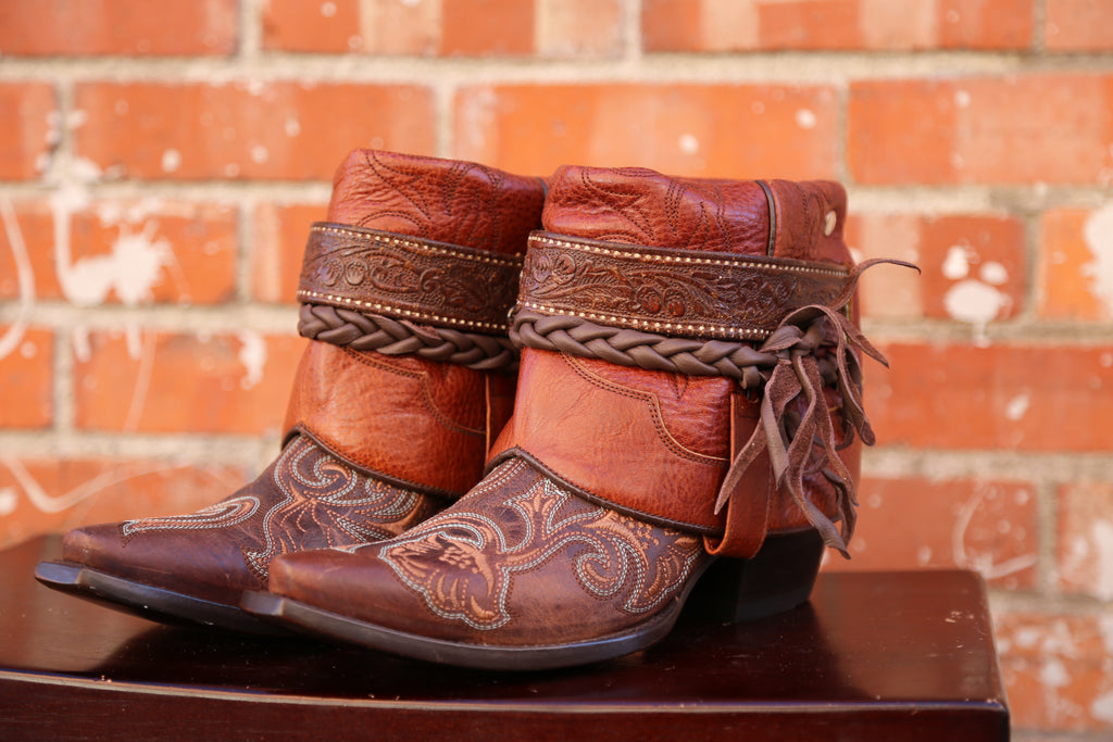 Canty Boots: Dark Brown Embroidered Snip Toe 8.5