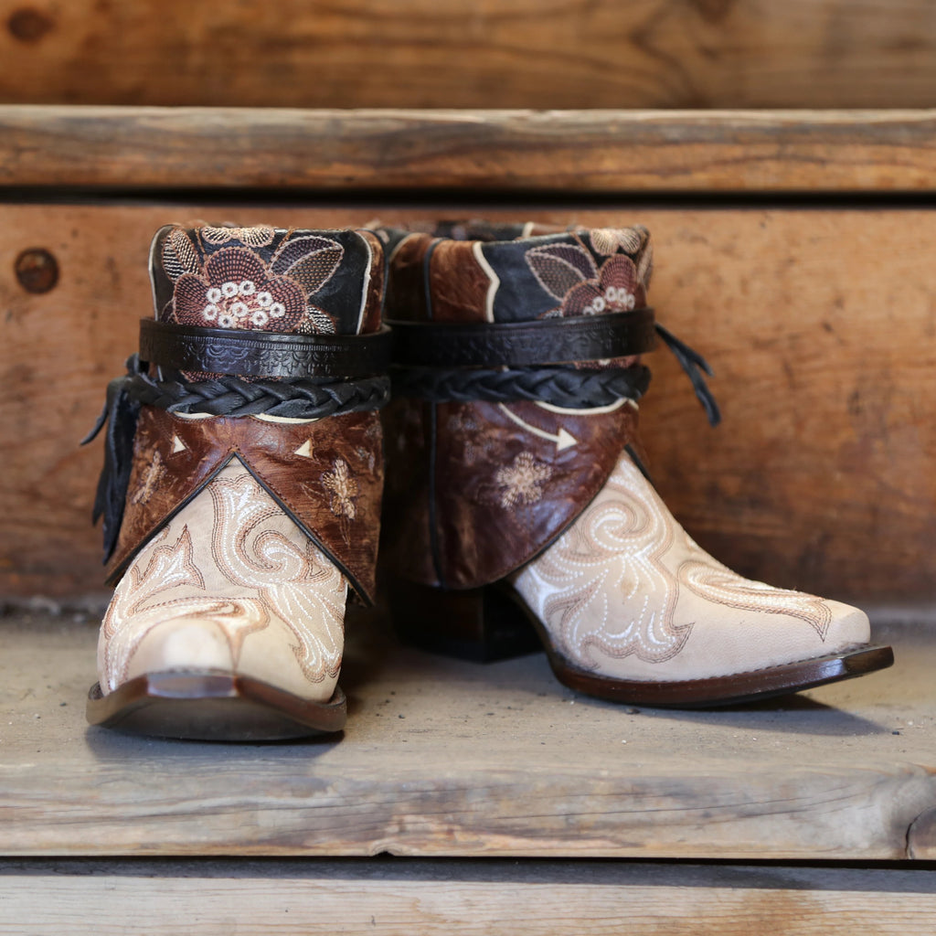 Canty Boots: The Macarena, Size 6