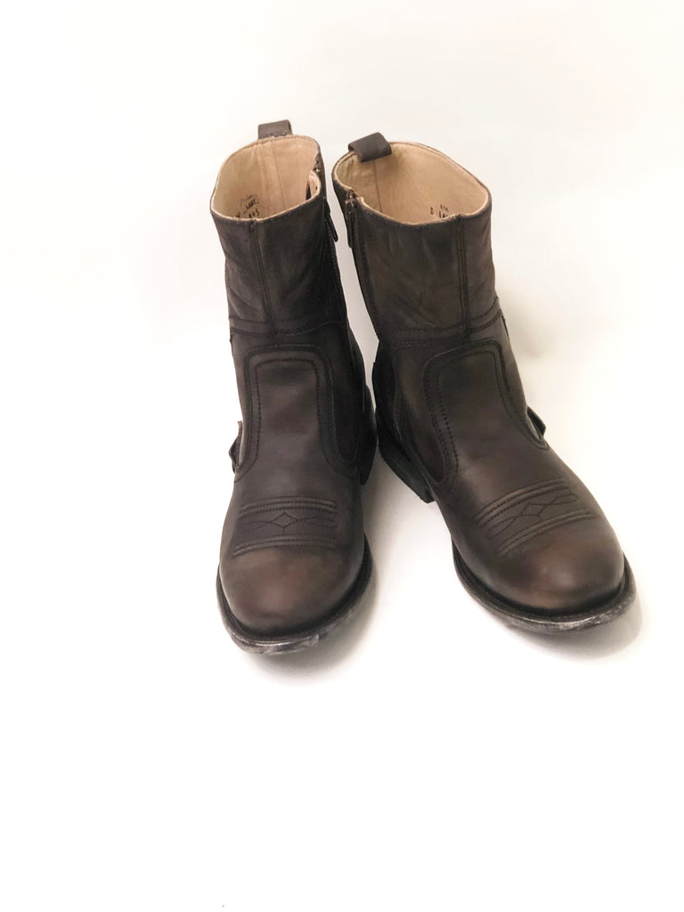 Distressed Western Boots w/ Zipper - headwestbozeman
