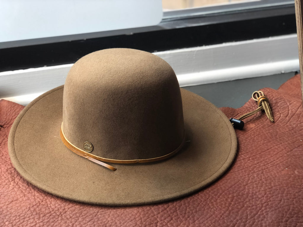 The Beatnik cowboy/cowgirl hat by Stetson is a western classic with its leather hat band and chin strap.