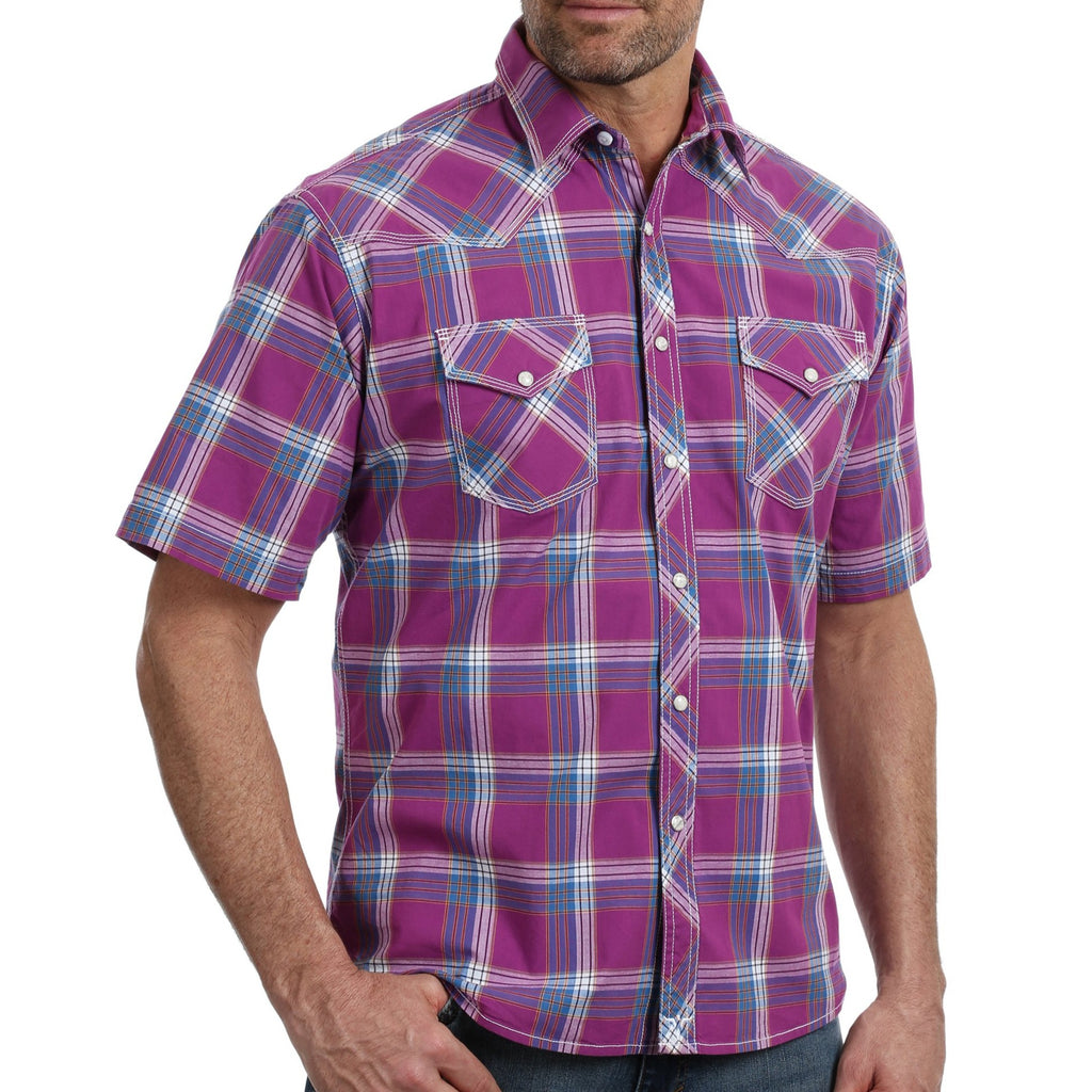A Wrangler Competition snap shirt perfect for rodeos and the western lifestyle. MJC197M