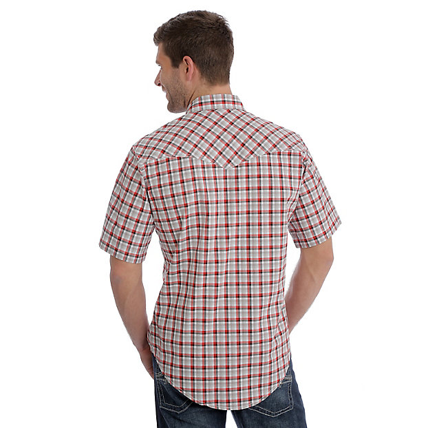 This Wrangler western snap shirt is a perfect plaid for summer and rodeos. MJC206M