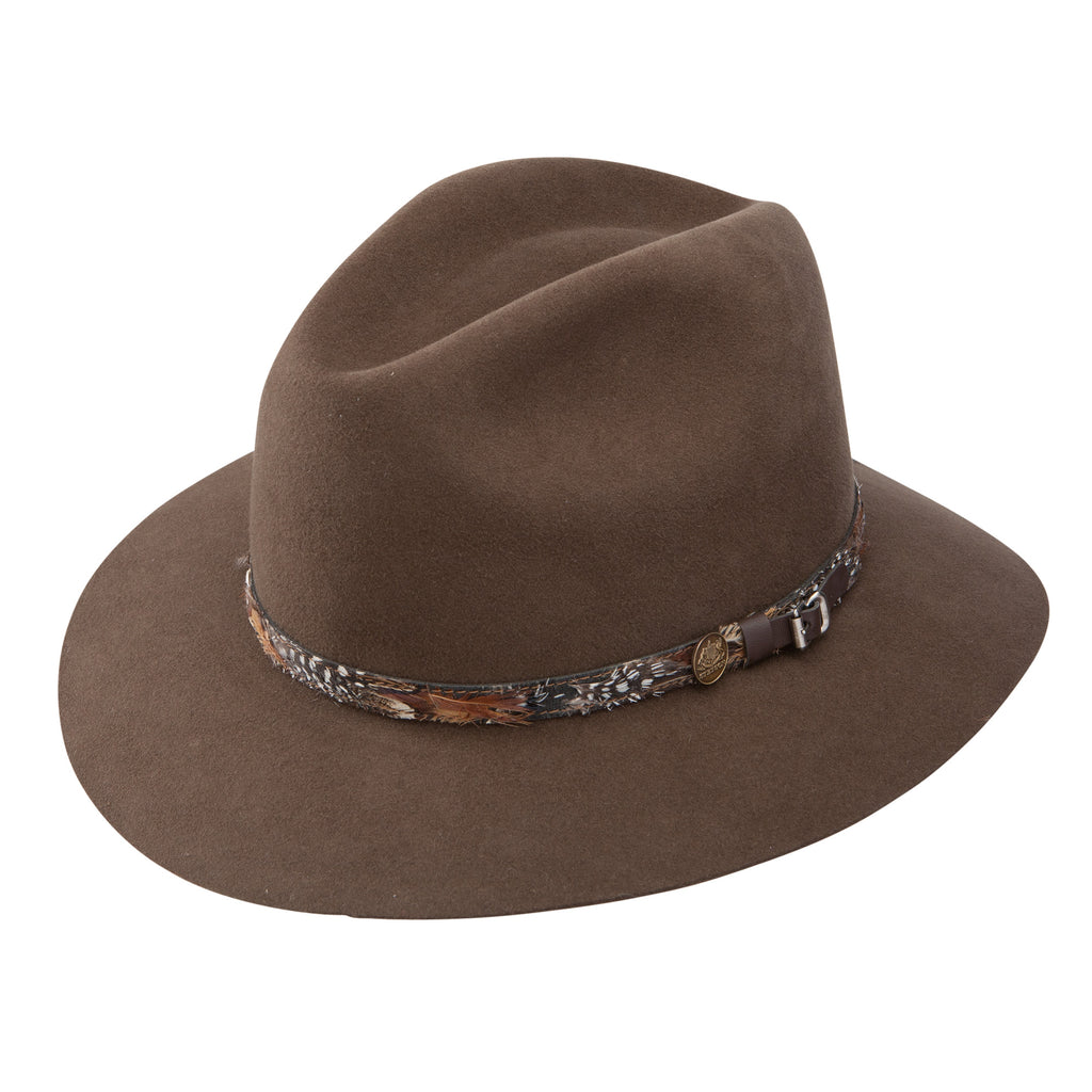 The Jackson western hat is made by Stetson and is a water repellent hat and is a fabric+fur wool blend. Perfect cowboy or cowgirl hat!