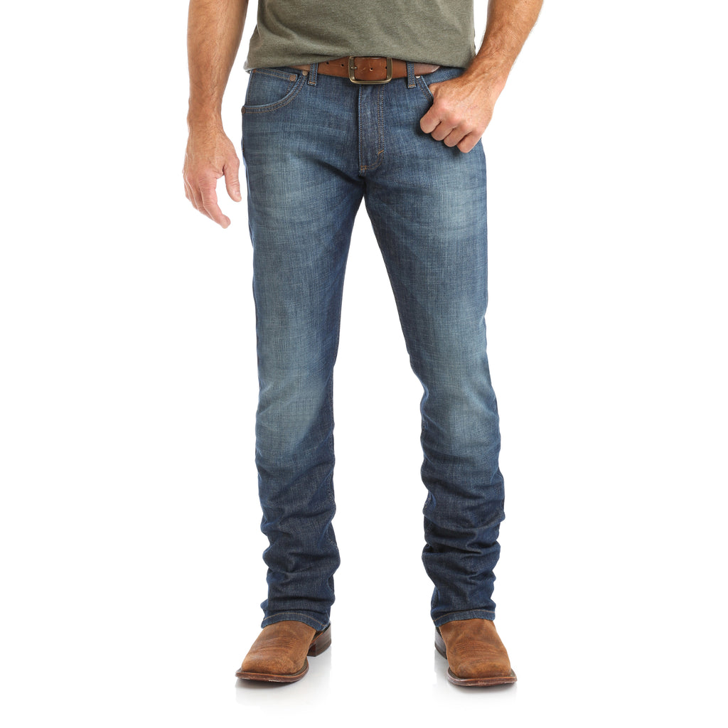 These men's Wranger Retro jeans feature a skinny jean fit. Find them at Head West in Bozeman, Montana. WRT40WV