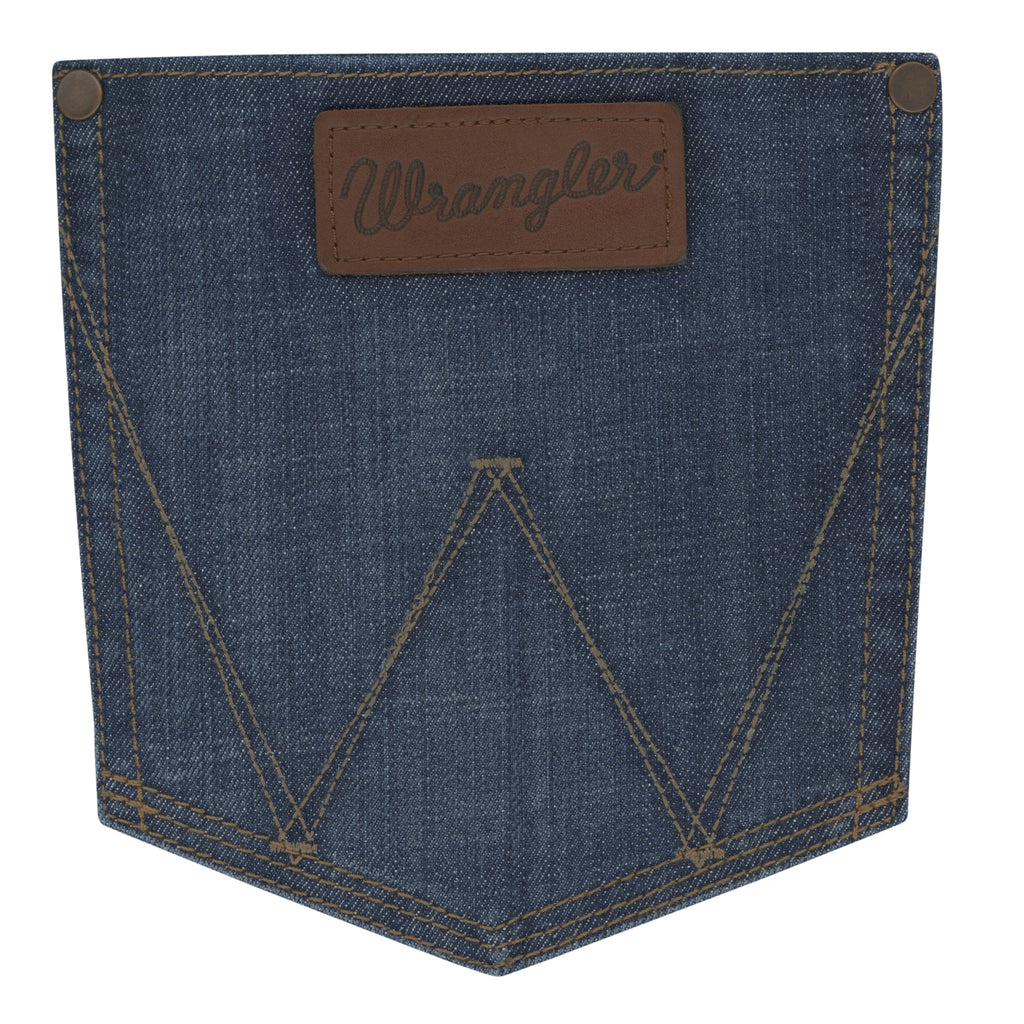 These men's Wranger Retro jeans feature a skinny jean fit and pair great with cowboy boots. Find them at Head West in Bozeman, Montana. WRT40WV