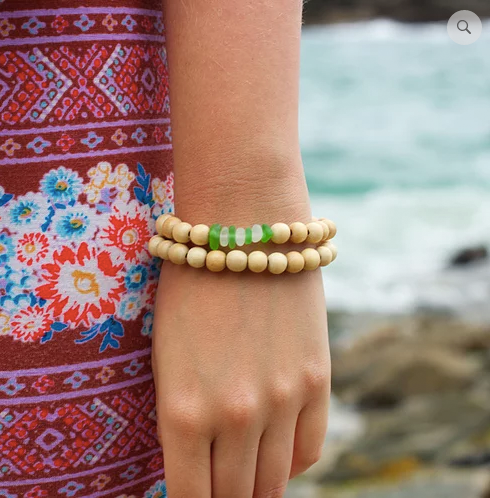 Sea Glass Bracelet: Light Wood