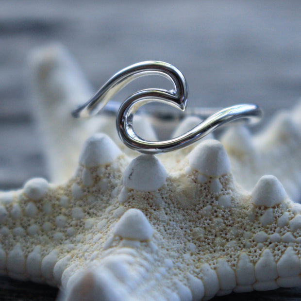 Sea Candy Ring: Simple Wave Sterling Silver